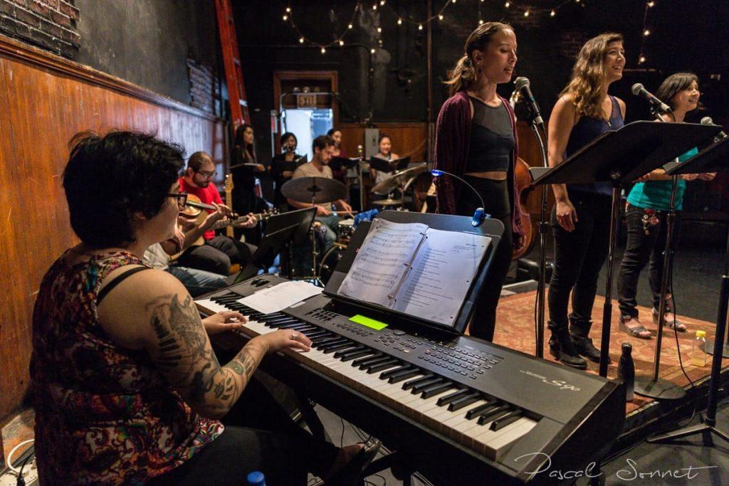 Lena Gabrielle on keyboards